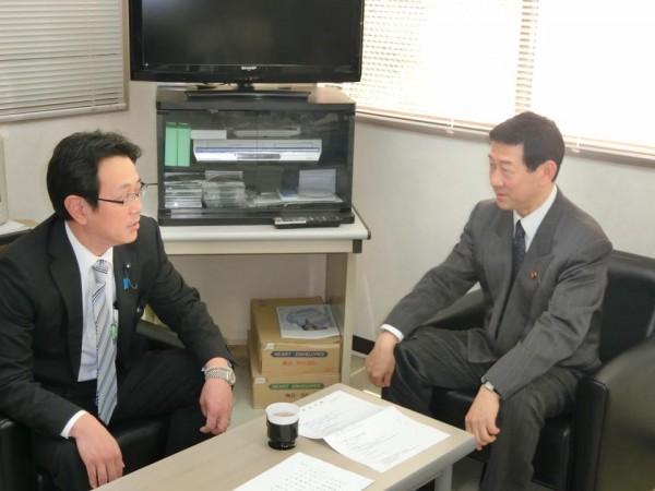 伊藤信太郎県連会長と石川光次郎県連幹事長