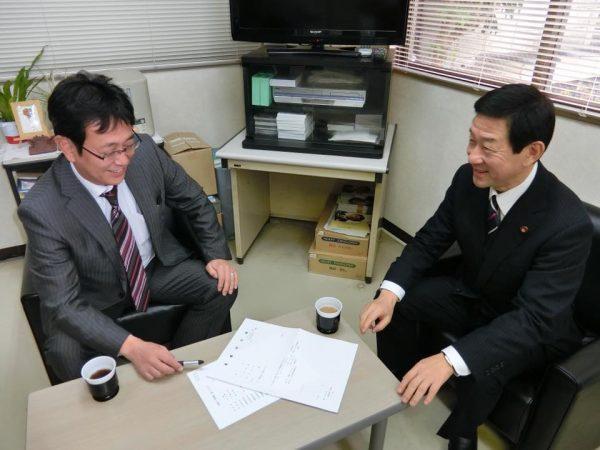 伊藤会長と石川幹事長開会前打ち合わせ